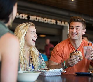 Restaurants & Dining Experiences