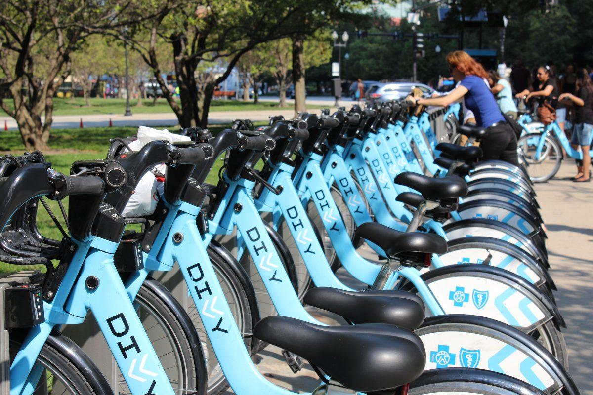Divvy Bike Share, Bike Rental in Polk Bros Park | Navy PIer on