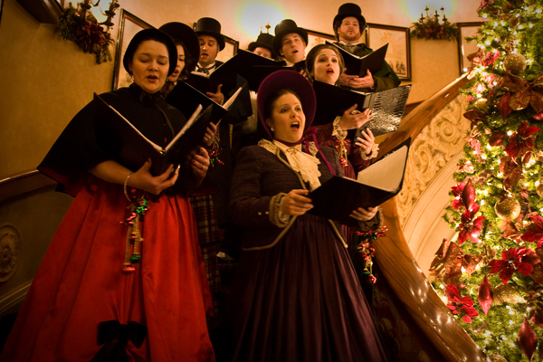 Lola Bard Carolers to perform at Sequence Chicago at Navy Pier.