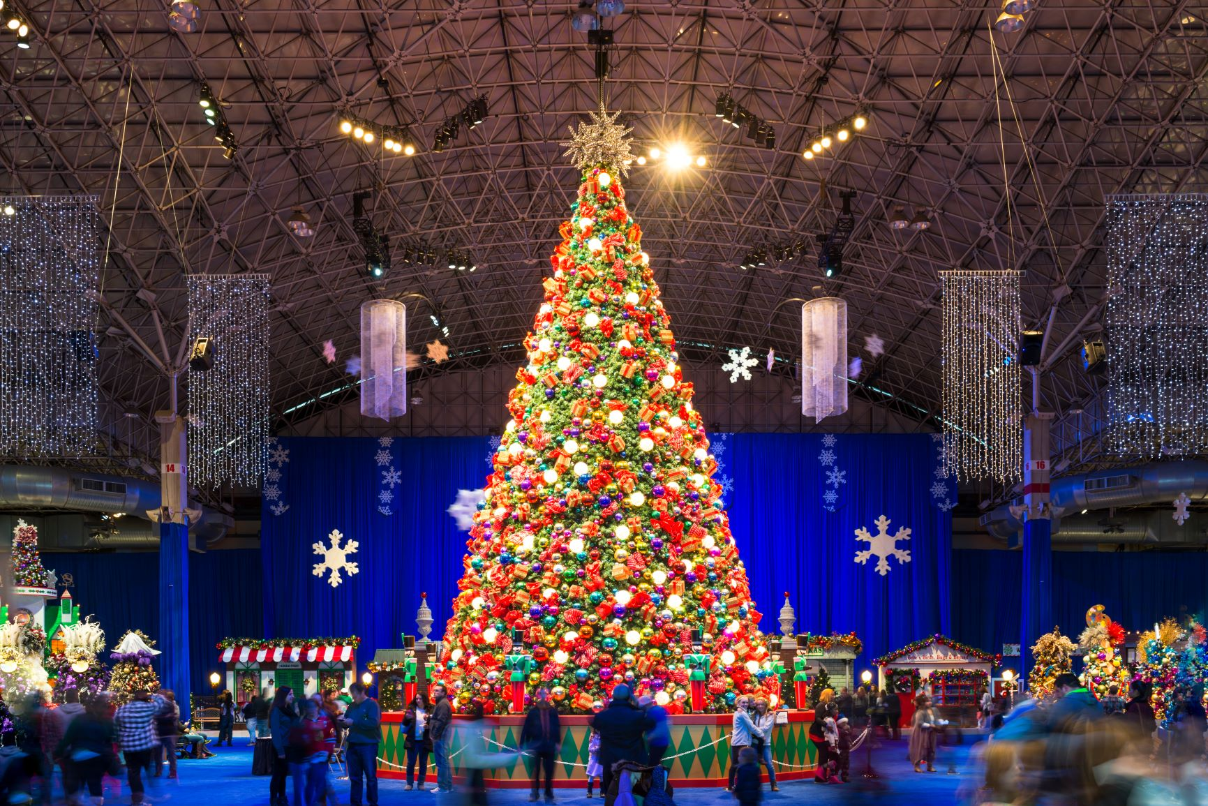 Discover Chicagoland's Favorite Winter Tradition: Fifth Third Bank Winter WonderFest